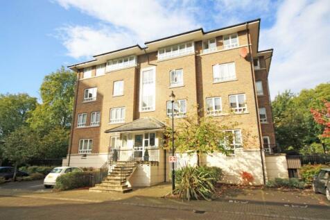 May Bate Avenue, Kingston Upon Thames. 2 bedroom flat