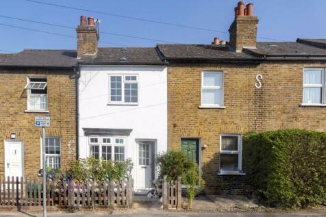 Cambridge Grove Road, Kingston. 2 bedroom house