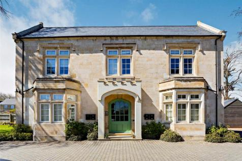 Herne Lodge, Old School Avenue, Oundle, Northamptonshire, PE8 property