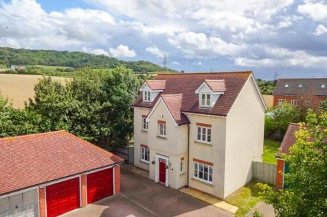 Oldfield Drive, Wouldham. 5 bedroom detached house