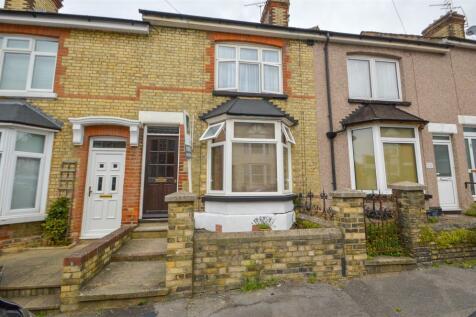 Muir Road, Maidstone. 3 bedroom terraced house