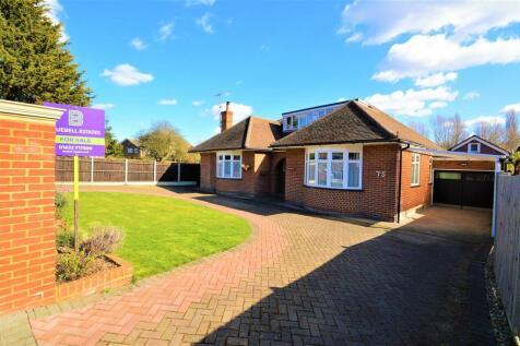 Rochester Road, Aylesford. 4 bedroom detached bungalow