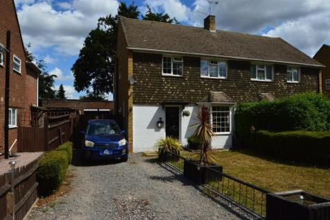The Bounds, Aylesford. 3 bedroom semi-detached house