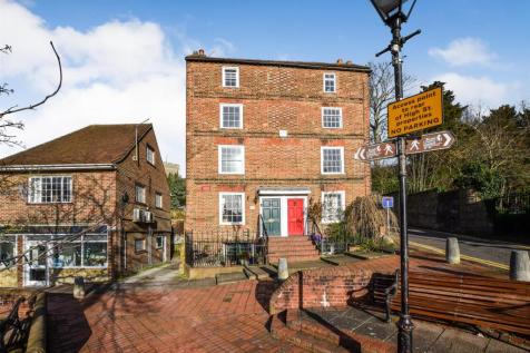 High Street, Aylesford. 4 bedroom character property