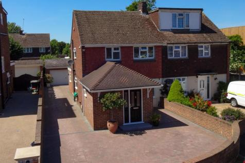 Ash Close, Aylesford. 3 bedroom semi-detached house