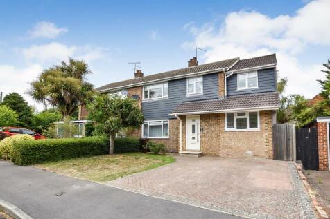 Unwin Close, Aylesford. 5 bedroom semi-detached house