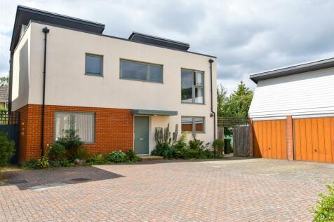 John Day Close, Coxheath, Maidstone. 4 bedroom detached house