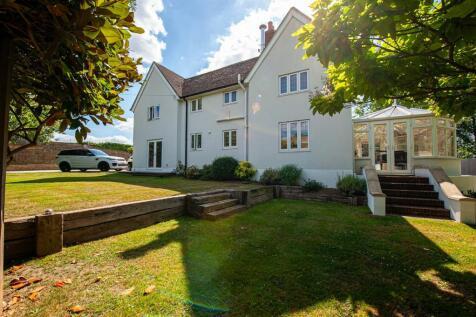Old Chatham Road, Sandling, Maidstone. 5 bedroom detached house