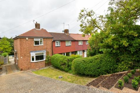 St. Williams Way, Rochester. 3 bedroom end of terrace house