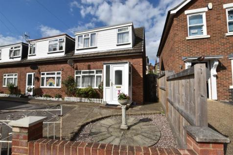 Albany Street, Maidstone. 3 bedroom end of terrace house