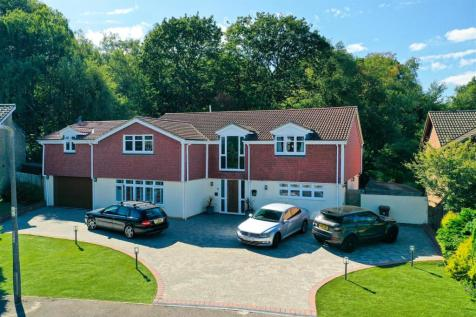 Ascot Close, Lordswood. 4 bedroom detached house