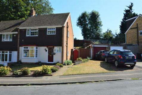 Oak Drive, Larkfield. 3 bedroom semi-detached house