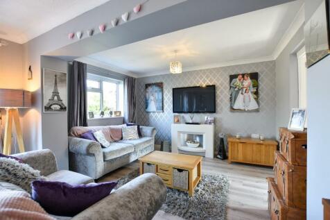 Bull Lane, Eccles. 4 bedroom terraced house