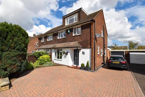 The Hawthorns, Aylesford. 4 bedroom semi-detached house