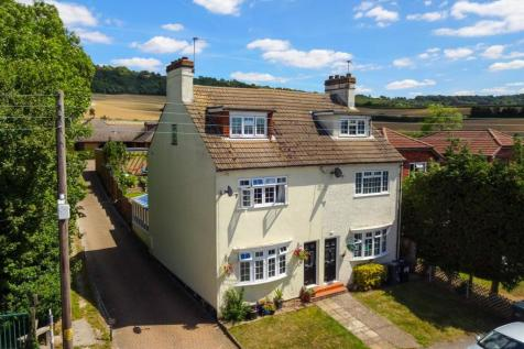 Rochester Road, Burham. 3 bedroom semi-detached house