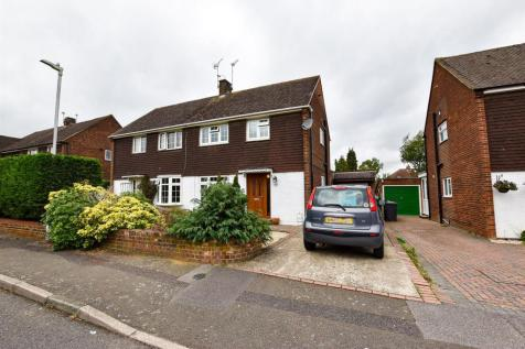 The Avenue, Aylesford. 3 bedroom semi-detached house