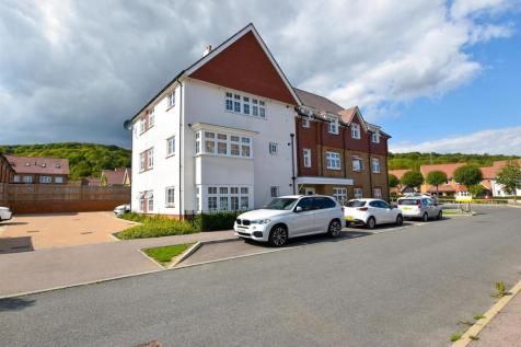 Limeburners Drive, Halling. 2 bedroom apartment
