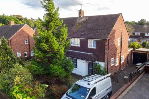 Firs Close, Aylesford. 3 bedroom semi-detached house