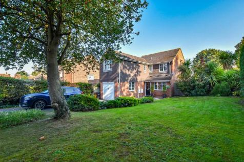Sycamore Drive, Aylesford. 4 bedroom detached house