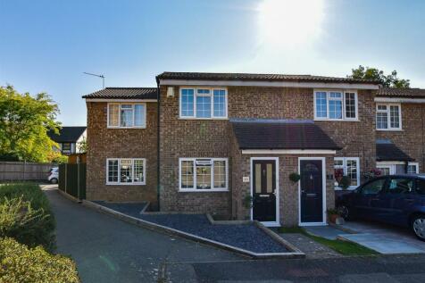 Woodlea, Leybourne, West Malling. 3 bedroom end of terrace house