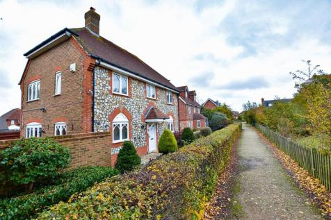 Oslin Walk, Kings Hill, West Malling. 4 bedroom semi-detached house for sale