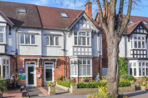Grove Road, Stratford-Upon-Avon. 6 bedroom end of terrace house for sale