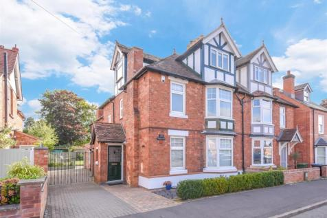 Percy Street, Stratford-Upon-Avon. 4 bedroom semi-detached house for sale