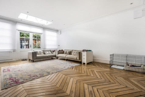 Bedford Row, SE1. 5 bedroom town house for sale