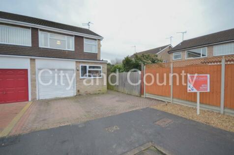 St. Marys Close, Peterborough. 3 bedroom semi-detached house for sale