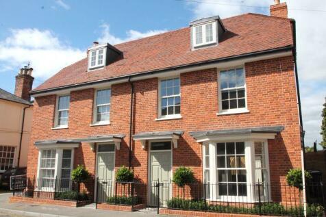 High Street, Canterbury. 4 bedroom semi-detached house