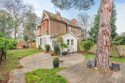 Onslow Crescent, Woking. 4 bedroom semi-detached house for sale