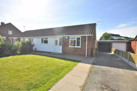 Park Avenue, Mold. 2 bedroom semi-detached bungalow