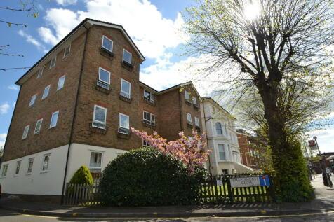 Maplehurst Close, Kingston Upon Thames. 2 bedroom apartment