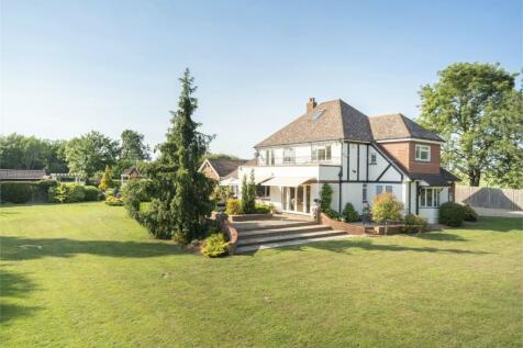 St Neots Road, Renhold, Bedfordshire. 4 bedroom detached house for sale