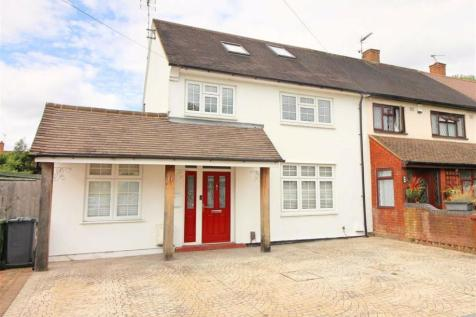 Sinderby Close, Borehamwood, Herts. 4 bedroom end of terrace house