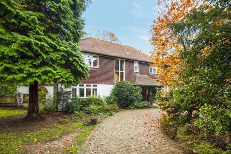 West Byfleet. 4 bedroom detached house for sale