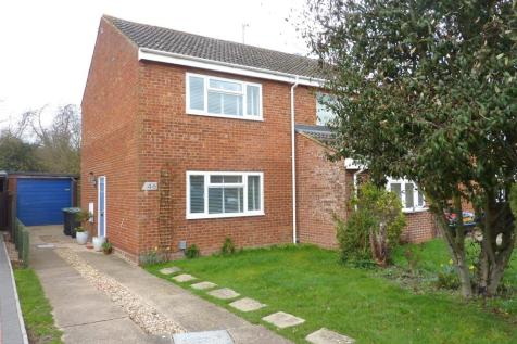 Pilgrims Close, Harlington. 2 bedroom semi-detached house
