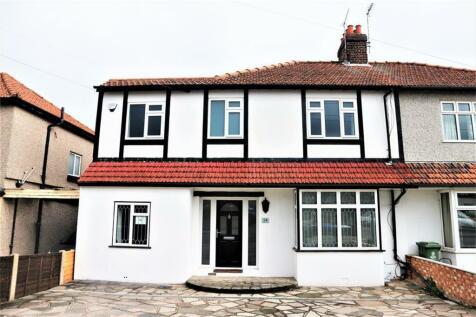 Barnehurst Road, Barnehurst , Kent, DA7. 4 bedroom semi-detached house for sale
