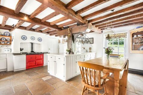 Waldens Road, Orpington. 5 bedroom detached house for sale