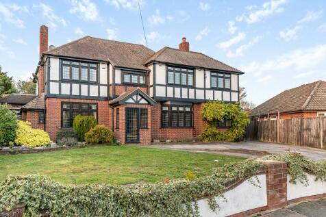 Marlings Park Avenue, Chislehurst. 4 bedroom detached house for sale