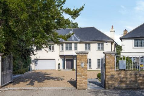 Mavelstone Close, Bickley. 6 bedroom detached house for sale