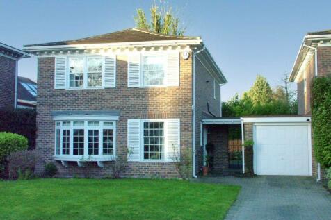 Roehampton Drive, Chislehurst. 4 bedroom detached house for sale