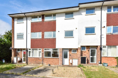 Student House, Town Centre. 4 bedroom semi-detached house