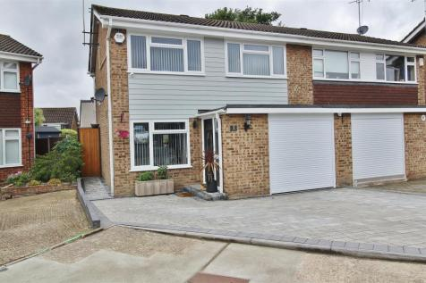 Earleswood, South Benfleet. 3 bedroom semi-detached house
