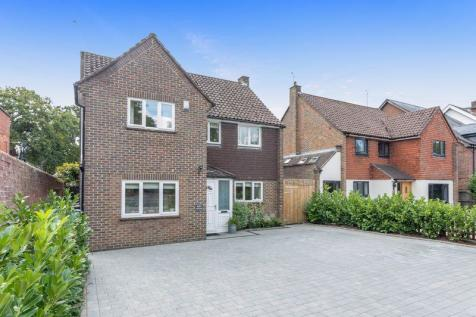 Hurst Road, Horsham, West Sussex, RH12 2DS. 5 bedroom detached house