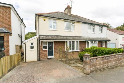 Dorking Road, Tunbridge Wells. 3 bedroom semi-detached house