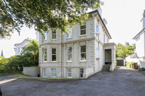 Lansdowne Road, Tunbridge Wells. 6 bedroom detached house