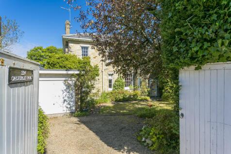 Calverley Park, Tunbridge Wells. 3 bedroom semi-detached house