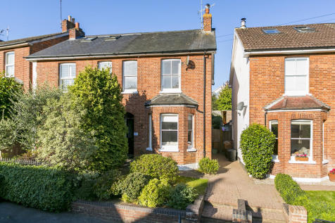St. James Park, Tunbridge Wells. 3 bedroom semi-detached house