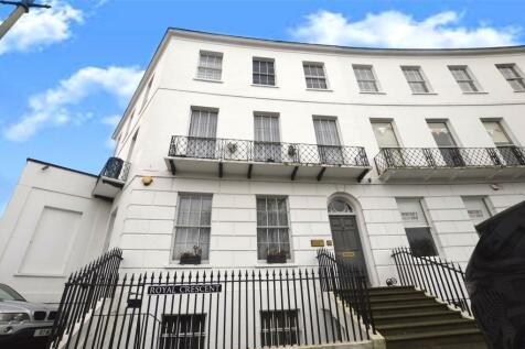 Royal Crescent, Cheltenham, Gloucestershire, GL50. 6 bedroom end of terrace house for sale